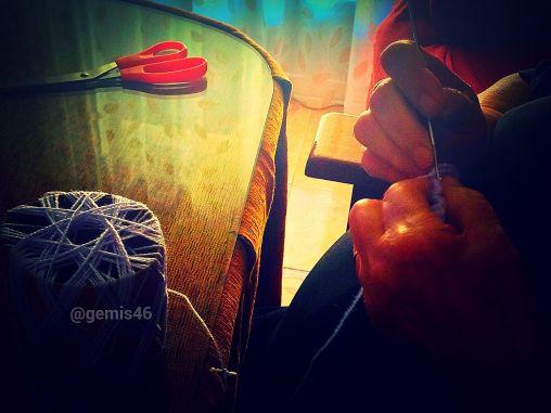 Tus manos haciendo Crochet