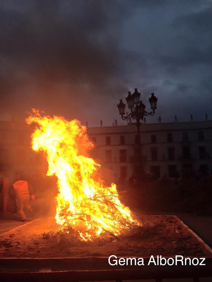 Hoguera de la Candelaria en Aguilar. Córdoba.