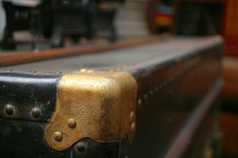 Viejo baúl de cuero. Foto: Alejandro Gómez.