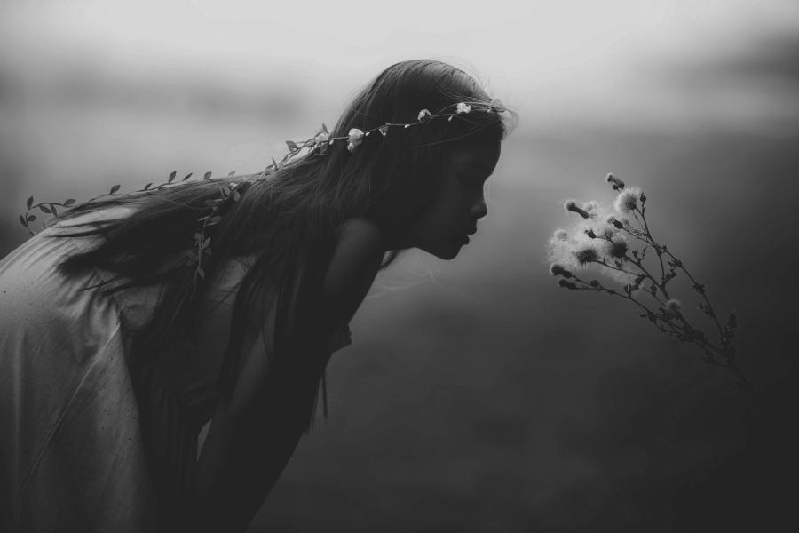 Young girl. Foto: Unsplash. CC0 Public Domain