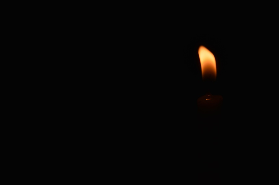 Flame. Foto: Manali Balsara. CC0 Public Domain.