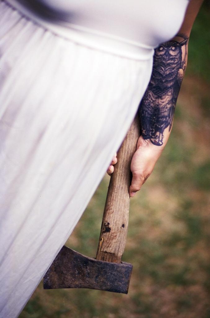 White dress. Foto: Benjamin Balazs.CC0 Public Domain.