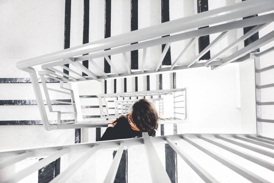 Stairway. Foto: Unsplash. CC0 Public Domain.