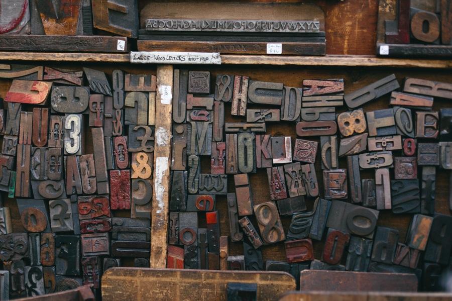 Woodtype. Foto: Unsplash. CC0 Public Domain.