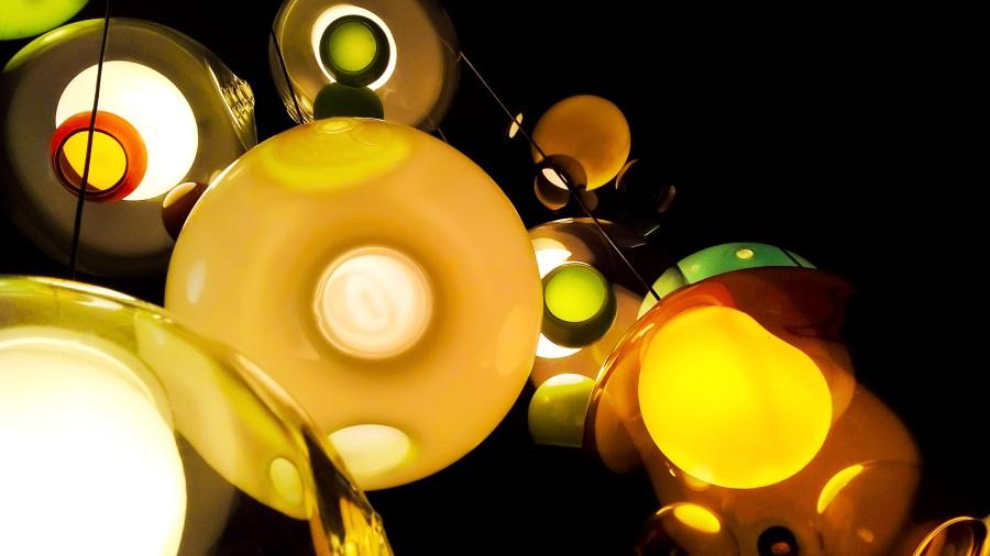 Lamp. Foto: astrid327. CC0 Public Domain.