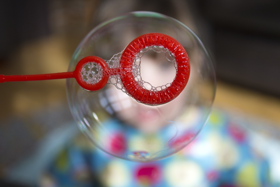 Soap Bubble. Foto: Sally Wynn. CC0 Public Domain.