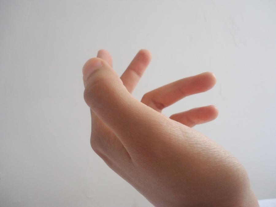 Hand. Foto: Cecilia Ochoa. CC0 Public Domain.