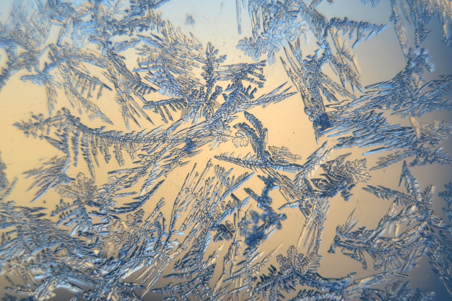 Snow crystals. Foto: Rene Wagner. CC0 Public Domain.