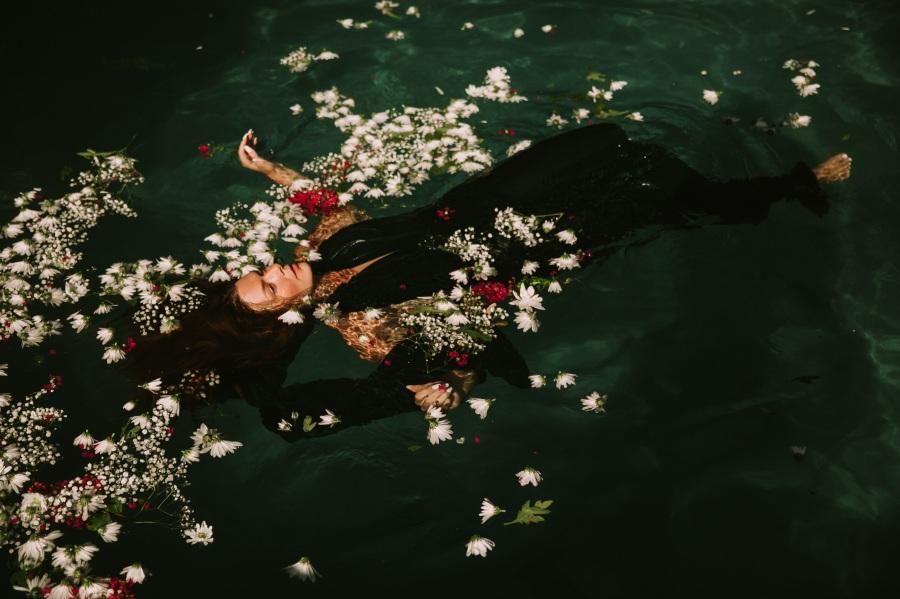 Floating. Foto: Pexels. CC0 Public Domain.